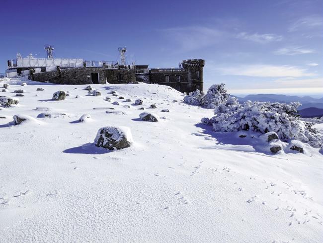 Observatoire-sommet-de-lAigoual-©-Gaël-Karczewski-PNC.jpg