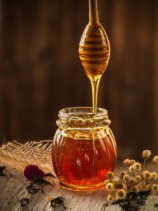 Pot de miel et sa cuillère